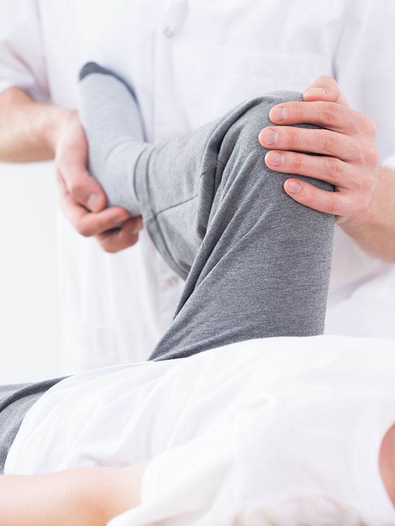 patient-bending-knee